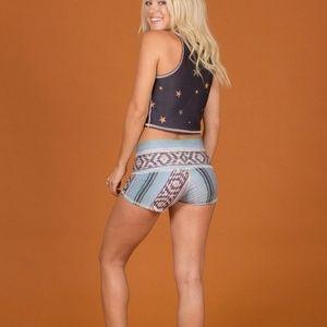 Teeki shorts
